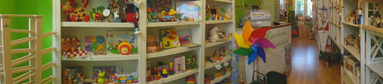 Maxando hat Geschenke für Kinder und Holzspielzeug